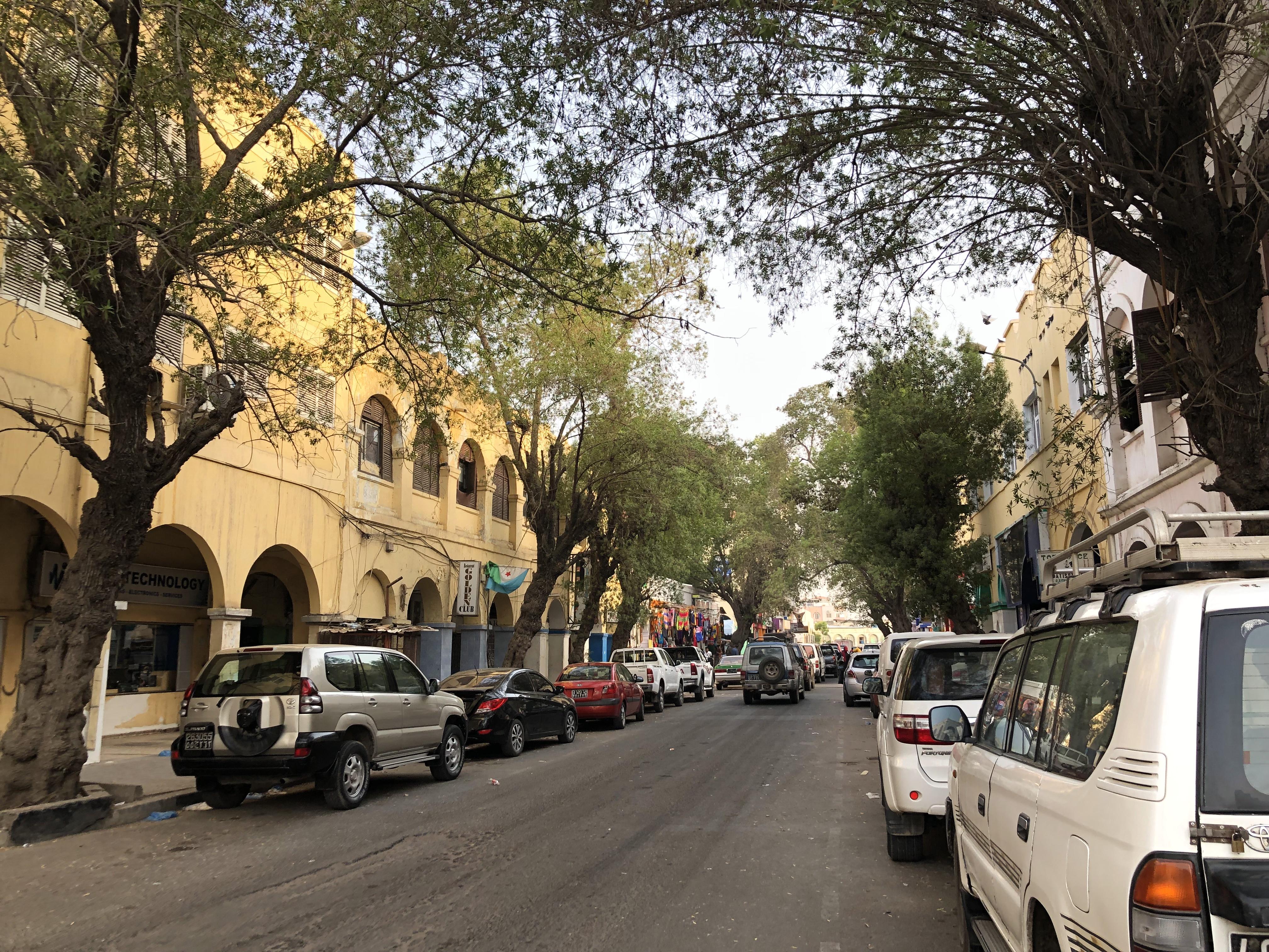 DAY78 ジブチを旅する①「ジブチの首都 ジブチ」-世界一暑い国のオシャレな街づくりと無料で味わえる贅沢な夜景-